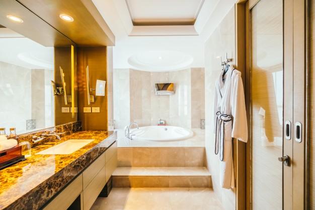 badeværelse renoveret af en murer